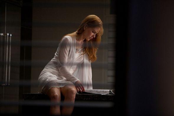 美国电影不忠女主角_不忠诱罪中,女主角和外遇第一次发生关系后,在回家火车的 ...